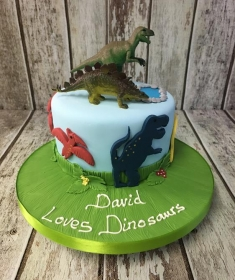 birthday cake dinosaur