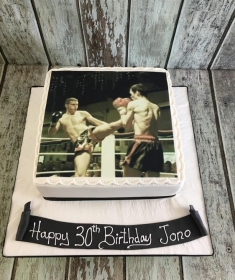 photo of boxing mens birthday cake