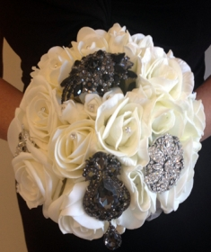 Brooche Bouquet 16