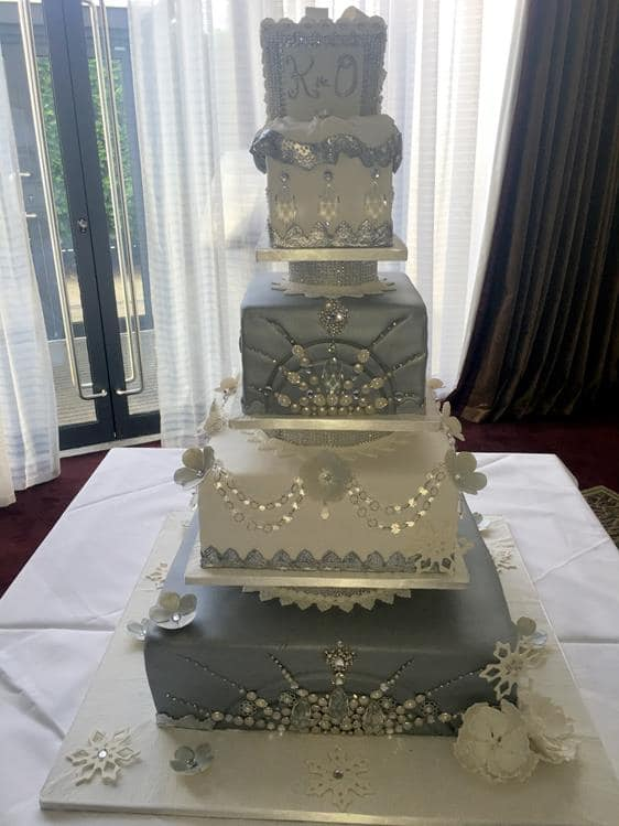 Extra Large Wedding Cakes Amazing Cakes Irish Wedding