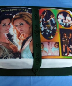 lg_Lynch Twins cake (Copy)