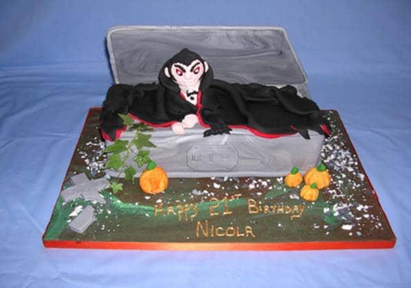 lg_Dracula Cake (Copy)