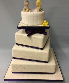 Jacuzzi wedding cake