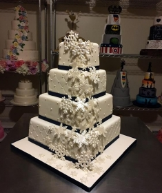 Snowflake wedding cake 5