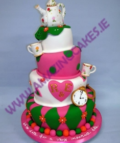 lg_Topsy Turvey Tea Pot wedding cake (Copy)