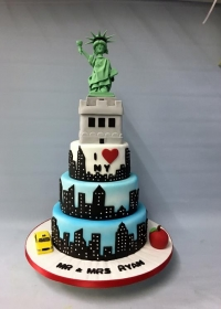 new york themed wedding cake wedding cakes amazing cakes wedding cakes based in 17832